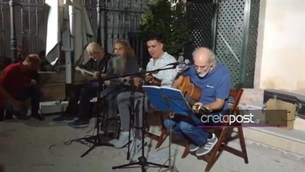 Ο Ψαραντώνης τραγουδάει ρεμπέτικα