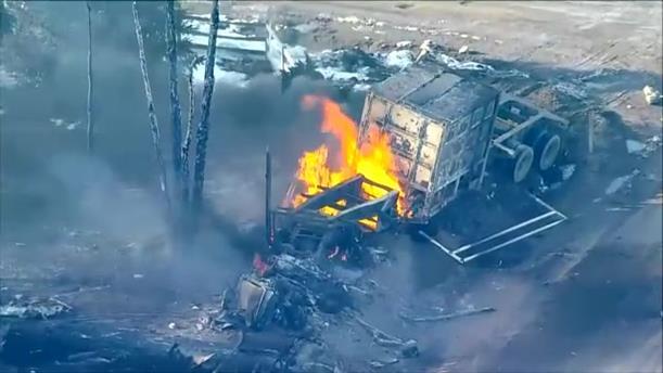 Εκρήξεις μετά από συντριβή φορτηγού σε γραμμή φυσικού αερίου