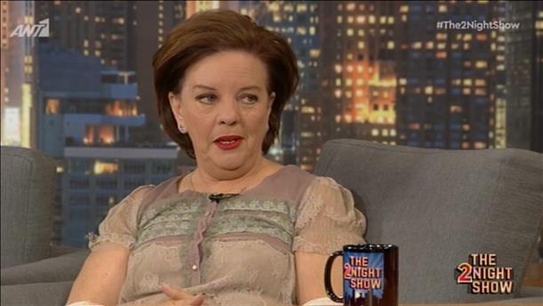 """Η Μάρα Μεϊμαρίδη, συγγραφέας του βιβλίου """"Οι Μάγισσες Της Σμύρνης"""", στο """"The 2Night Show"""""""