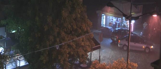 Ισχυρή βροχόπτωση στην Κόρινθο – Δεκάδες κλήσεις έχει δεχθεί η Πυροσβεστική (εικόνες)