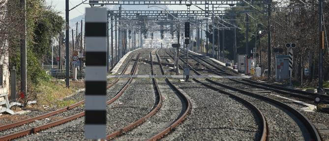 Απεγκλωβισμός σε συρμό του Μετρό και στον Χολαργό