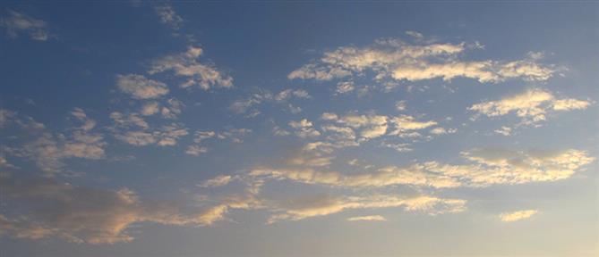 Καιρός: ήλιος, ζέστη αλλά και βροχές την Τρίτη