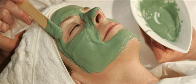 Σπιτική μάσκα με μέλι για ξεκούραστα μάτια