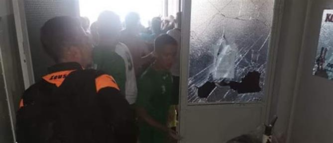 Επεισόδια στη Θήβα: οπαδός έστειλε ποδοσφαιριστή αιμόφυρτο στο νοσοκομείο (εικόνες)
