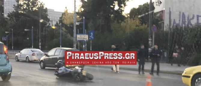 Λεωφόρος Συγγρού: Σοβαρό τροχαίο με μοτοσυκλετιστή (εικόνες)
