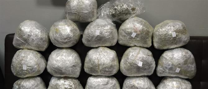 """Είχε """"φορτώσει"""" τα ναρκωτικά σε αποθήκη (εικόνες)"""