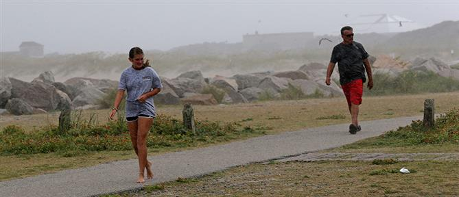 """Ο τυφώνας """"Ησαΐας"""" σαρώνει την Βόρεια Καρολίνα (εικόνες)"""