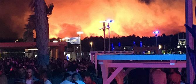Πανικός από φωτιά σε μουσικό φεστιβάλ (βίντεο)