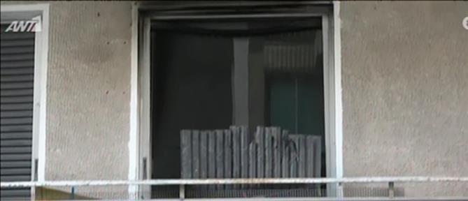 Νεκρός σε φλεγόμενο διαμέρισμα