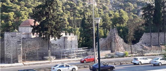Κλειστή η Μονή Δαφνίου λόγω προβλημάτων από τον σεισμό