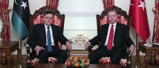 """""""Μια ανάσα"""" από την Λιβύη ο Ερντογάν"""