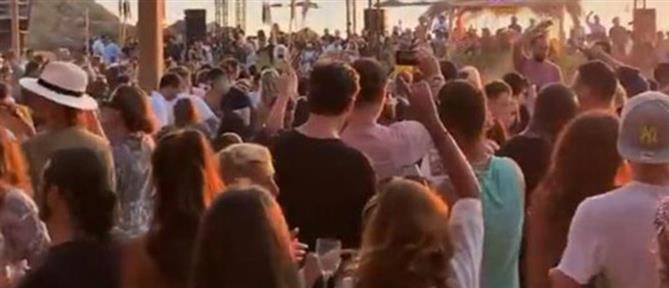 Κορονοϊός – Μύκονος: 7 κρούσματα σε εργαζόμενους σε beach bar