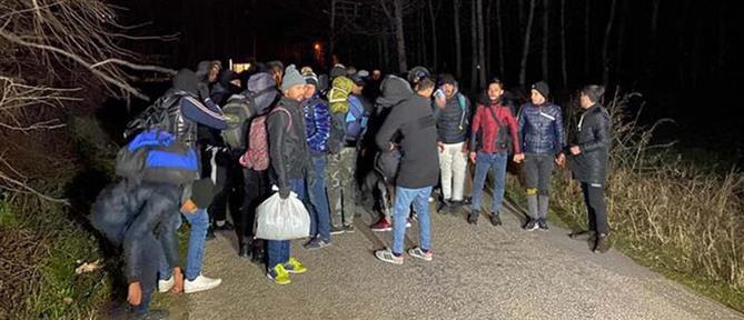 Τουρκία: Με λεωφορεία στέλνει τους μετανάστες στα σύνορα με την Ελλάδα (εικόνες)