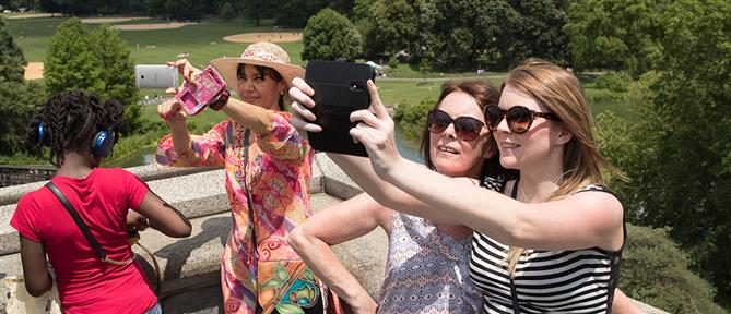 Zώδια και social media: Tι φωτογραφία διαλέγουν για το προφίλ τους