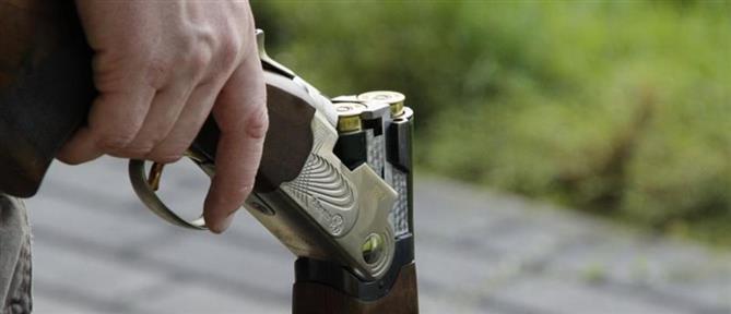 Πυροβόλησε με καραμπίνα τη γειτόνισσά του