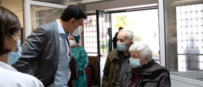 Κικίλιας: Οι εμβολιασμοί γίνονται οργανωμένα, με σεβασμό στον πολίτη