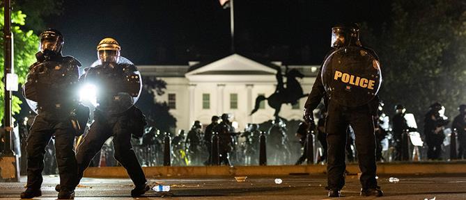 Διαδηλώσεις για τη δολοφονία Τζορτζ Φλόιντ: Δακρυγόνα έξω από το Λευκό Οίκο (εικόνες)