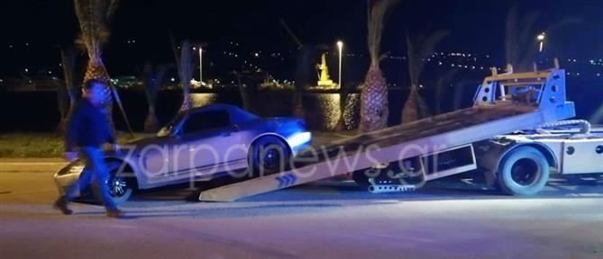 """Ανήλικος οδηγός """"κάρφωσε"""" το αυτοκίνητο σε κολώνα (εικόνες)"""
