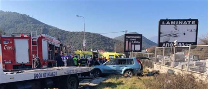 Ανατροπή αυτοκινήτου με έναν νεκρό και τραυματίες (εικόνες)