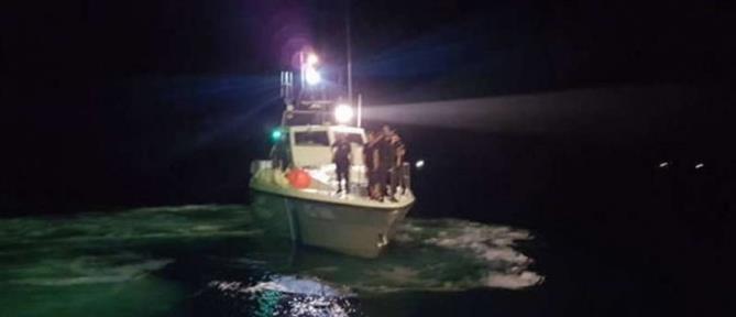 """Λιχαδονήσια: Σκάφος προσάραξε και εξέπεμψε """"SOS"""""""