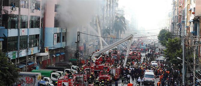 Παρανάλωμα του πυρός 12ώροφο κτήριο (εικόνες)