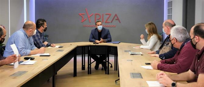 Τσίπρας με ΔΟΕ για σχολεία: Κυβέρνηση και Κεραμέως επιδεικνύουν τρομακτική ανεμελιά
