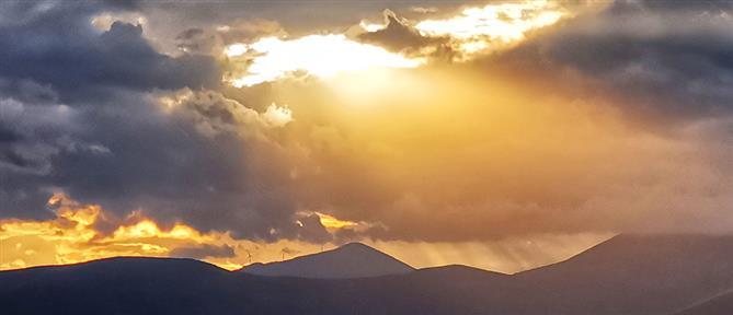 Καιρός: συννεφιές και μπόρες την Τετάρτη