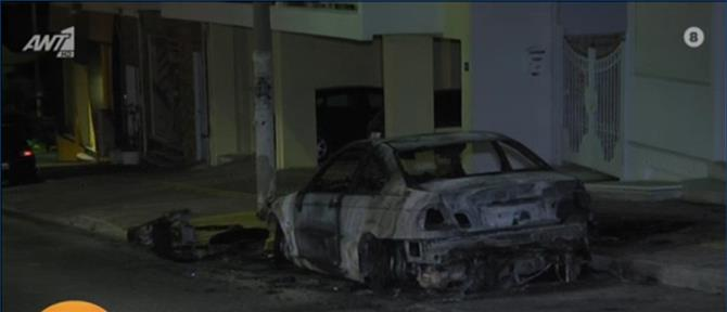 Ηλιούπολη: Εμπρηστική επίθεση έξω από πολυκατοικία (βίντεο)