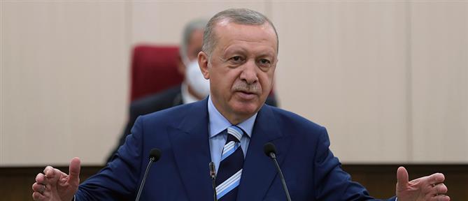 Ερντογάν: Αναγκαστική προσγείωση για το ελικόπτερο που μετέφερε τον Τούρκο Πρόεδρο