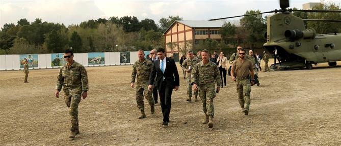 Στο Αφγανιστάν ο Υπουργός Άμυνας των ΗΠΑ (εικόνες)