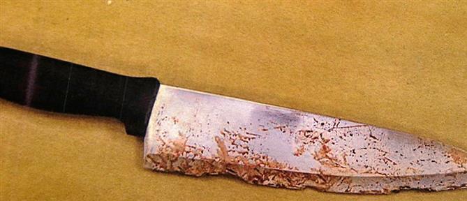 Μαχαίρωσε τη μάνα του - Την βρήκαν με το μαχαίρι καρφωμένο στην πλάτη