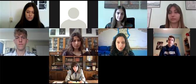 Ημέρα της Γυναίκας: τι είπε η Σακελλαροπούλου με μαθητές από όλη την Ελλάδα (βίντεο)