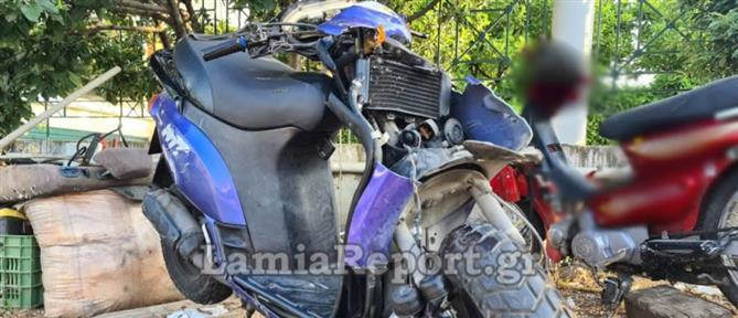Λαμία: νεκρός οδηγός μηχανής από σύγκρουση με αυτοκίνητο (εικόνες)