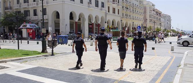 """""""Σαρώνουν"""" την Θεσσαλονίκη οι πεζές περιπολίες της Αστυνομίας (εικόνες)"""