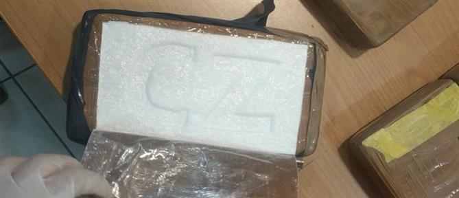 Πάτρα: Πάνω από 22 κιλά κοκαΐνης σε φορτηγό (εικόνες)