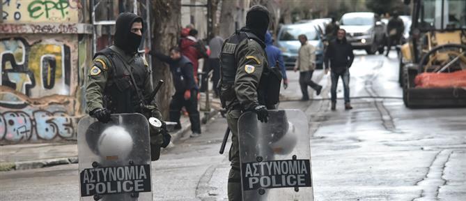 Αστυνομική επιχείρηση για εκκένωση κτηρίου που τελούσε υπό κατάληψη (εικόνες)