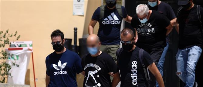 Ηλιούπολη: Ο αστυνομικός είχε και δεύτερη αιχμάλωτη