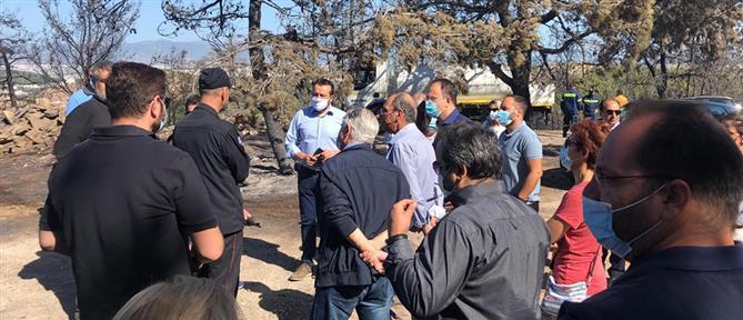 Κλιμάκιο του ΣΥΡΙΖΑ στα σημεία της πυρκαγιάς στον Βύρωνα (βίντεο)