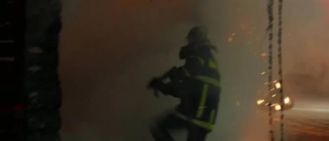 Νεκρό παιδί από φωτιά σε δομή προσφύγων