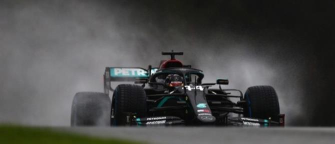 "GP Αυστρίας: ""Χόρευε"" στην βροχή ο Χάμιλτον"