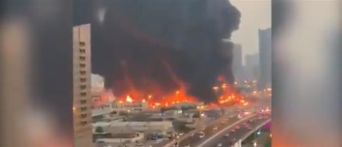 Μεγάλη φωτιά σε αγορά τροφίμων στα Ηνωμένα Αραβικά Εμιράτα (εικόνες)