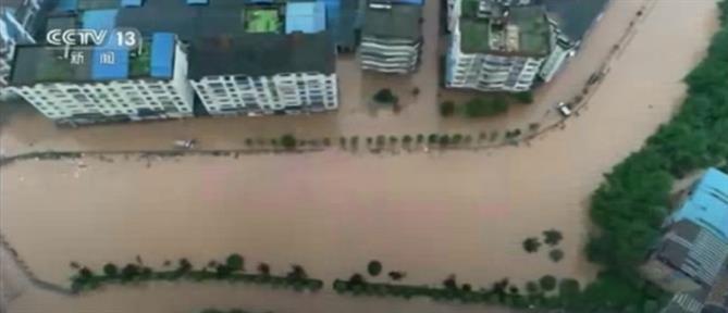 Φονικές πλημμύρες στην Κίνα (εικόνες)