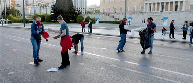 Χαρίτσης για συγκεντρώσεις: ο Χρυσοχοΐδης ξεπέρασε τον εαυτό του