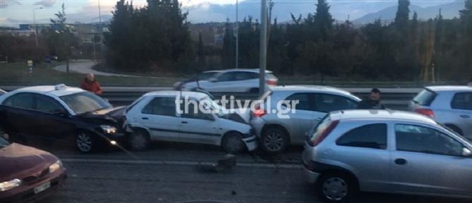 Καραμπόλα πέντε αυτοκινήτων στη Θεσσαλονίκη