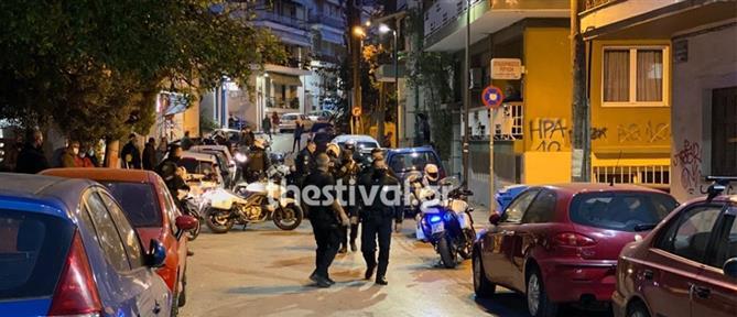Νεαροί χτύπησαν αστυνομικούς που πήγαν να τους ελέγξουν (βίντεο)