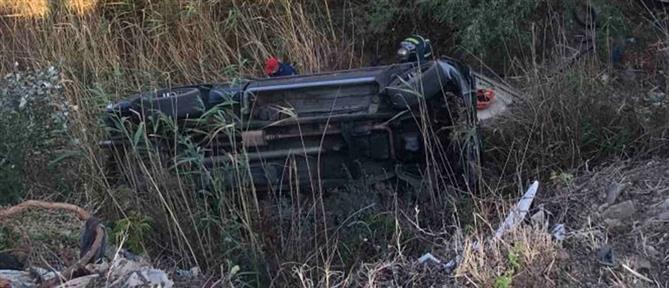 Φορτηγό έπεσε από γέφυρα σε ρέμα - 11 τραυματίες (εικόνες)