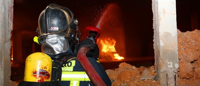 Μεσολόγγι: Φωτιά στην Σταμνά - Καίγονται σπίτια