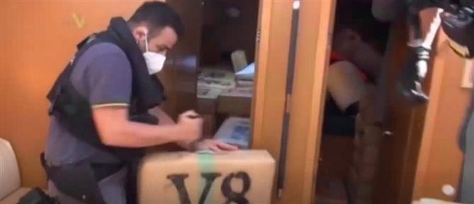 Ιταλία: Τεράστια ποσότητα χασίς σε γιοτ (εικόνες)