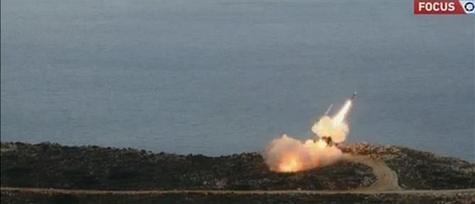 """Πύραυλοι Patriot: Εντυπωσιακή """"ομπρέλα"""" στην Κρήτη (βίντεο)"""