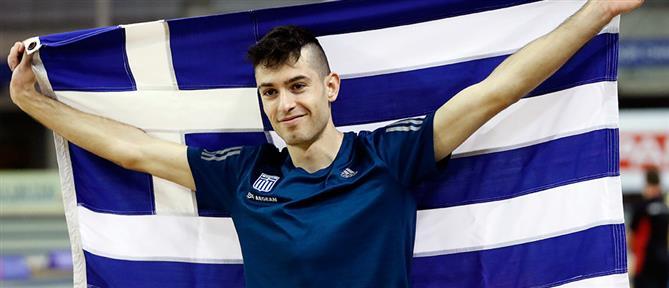 Ολυμπιακοί Αγώνες - Τεντόγλου: Στα χρώματα της γαλανόλευκης το Δημαρχείο Γρεβενών (εικόνα)